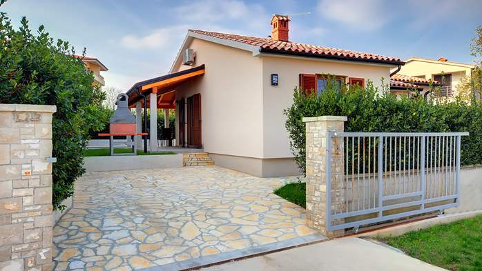 Newly built house in Ližnjan with a private pool and free WiFi, 6
