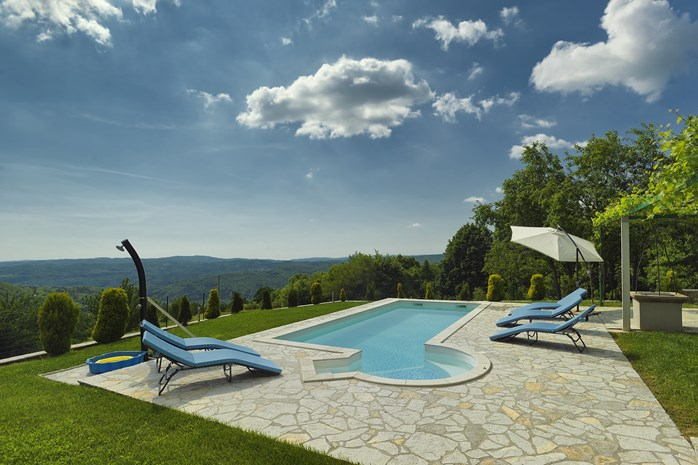 Villas with pool in Pazin