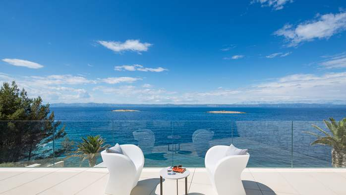 Spectacular design villa with sea-view, infinity pool, jacuzzi, 9