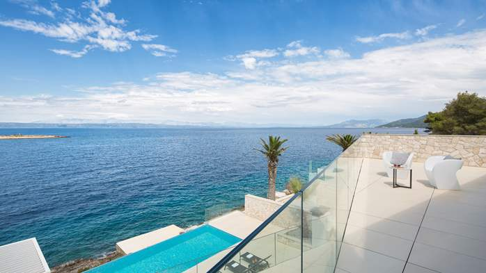 Spectacular design villa with sea-view, infinity pool, jacuzzi, 10