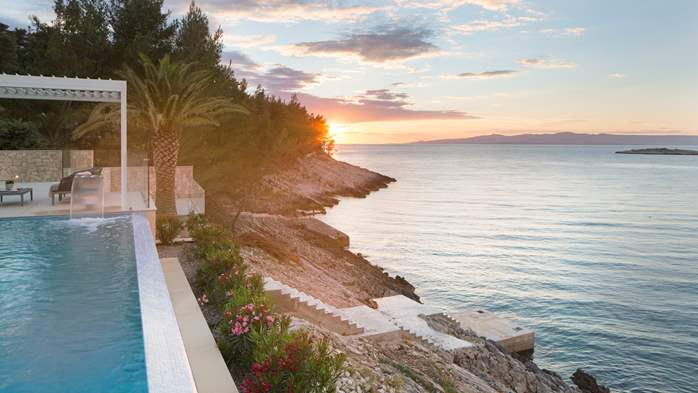 Spectacular design villa with sea-view, infinity pool, jacuzzi, 12