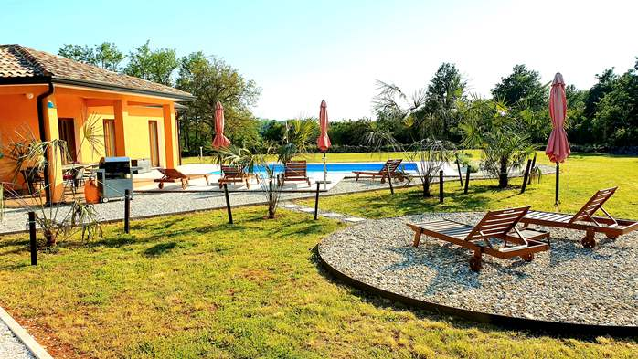 Classy and elegant villa on a large estate for up to 6 persons, 3