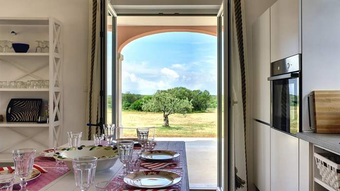 Attractive villa surrounded by olive groves, 1km from the sea, 18