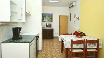 Apartment with balcony and two bedrooms for 5 persons, Internet, 1