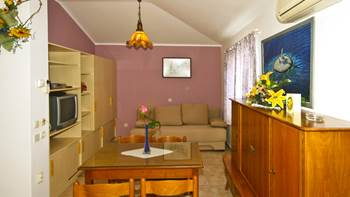 Apartment for 4 persons with shared outdoor pool and terrace, 2