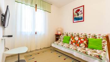 Pleasant apartment in Banjole with 2 bedrooms, SAT-TV, barbecue, 12