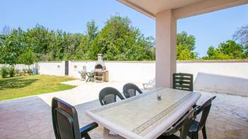 Pleasant apartment in Banjole with 2 bedrooms, SAT-TV, barbecue, 13