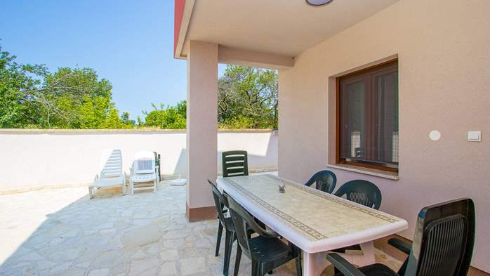 Pleasant apartment in Banjole with 2 bedrooms, SAT-TV, barbecue, 14