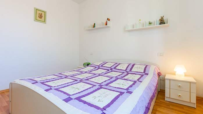 Nice apartment for 2-4 persons with terrace, parking, free WiFi, 8