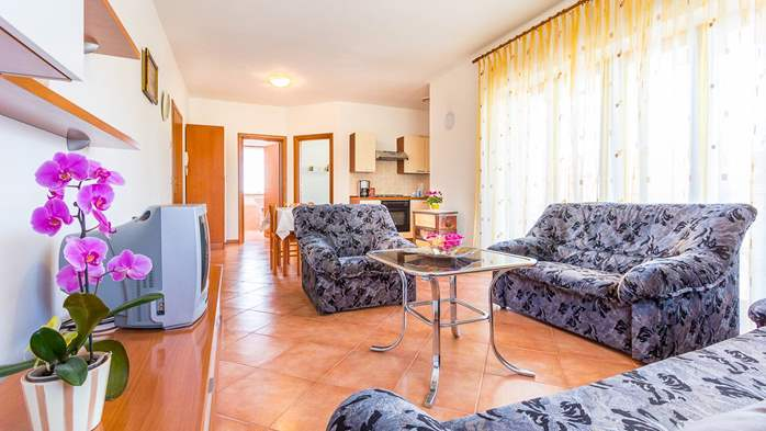 Nice apartment for 2-4 persons with terrace, parking, free WiFi, 1
