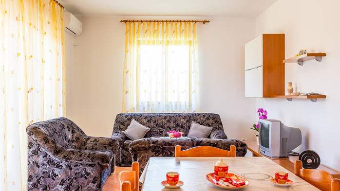 Nice apartment for 2-4 persons with terrace, parking, free WiFi, 11