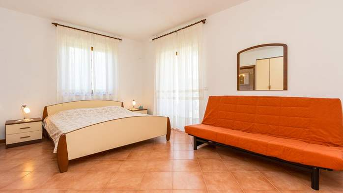 Studio apartment for 2-3 persons with nice interior and terrace, 3