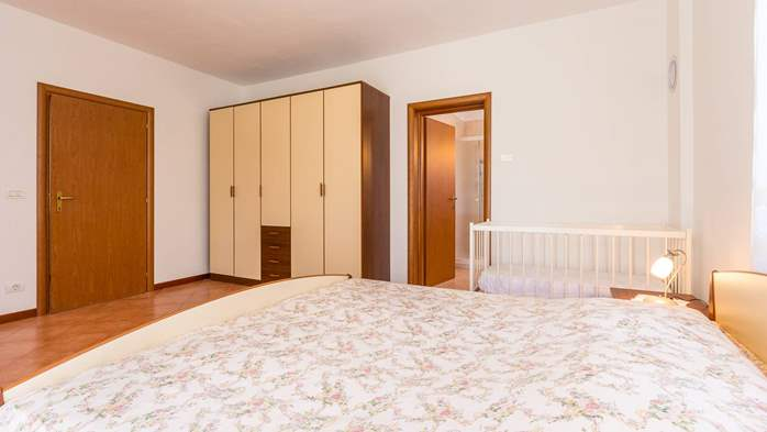 Studio apartment for 2-3 persons with nice interior and terrace, 7