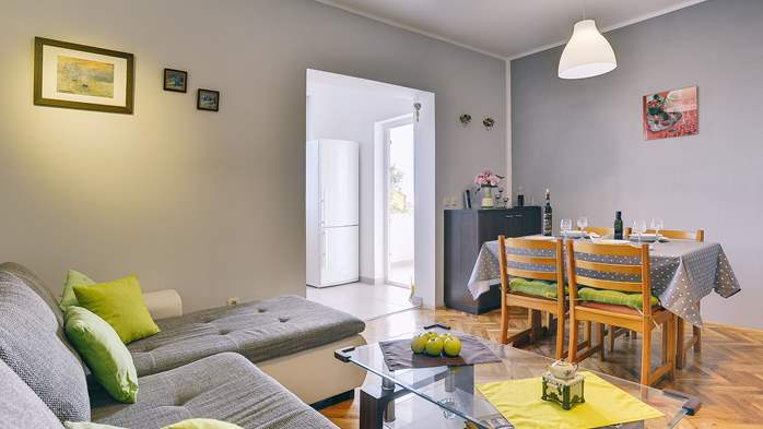 Lovely two bedroom apartment with wonderful garden, WiFi, 2
