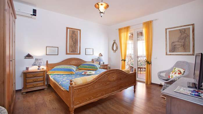 Stylish apartment for two on first floor with private balcony, 1
