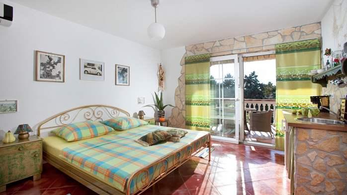 Antique studio apartment, pool with sea water, balcony, WiFi, 1
