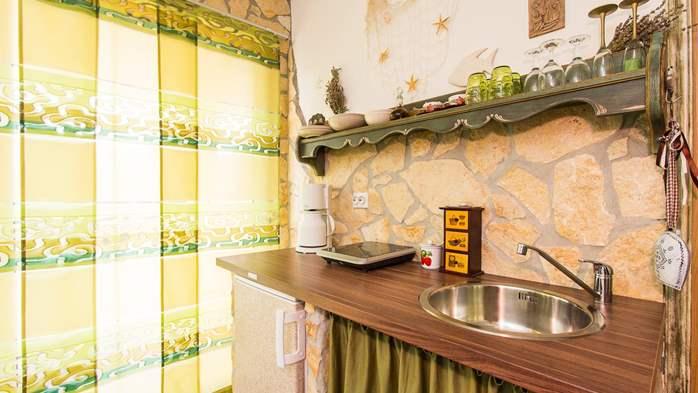 Antique studio apartment, pool with sea water, balcony, WiFi, 3