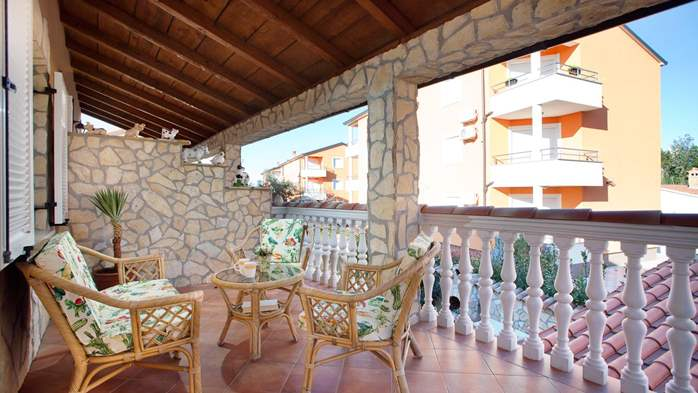 Cosy little modern-rustic apartment close to beach with pool, 7