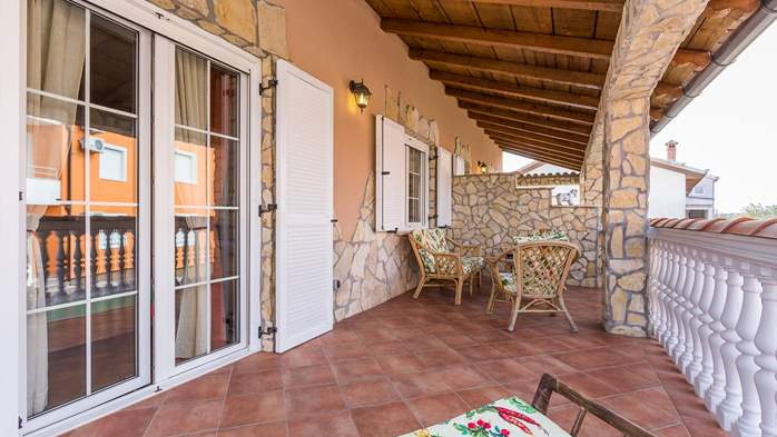 Cosy little modern-rustic apartment close to beach with pool, 9