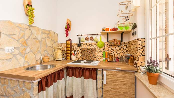 Cosy little modern-rustic apartment close to beach with pool, 3