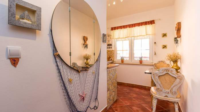 Cosy little modern-rustic apartment close to beach with pool, 4