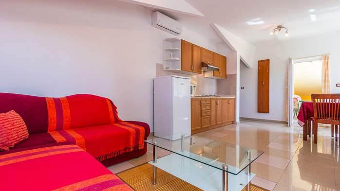 An intimate ambience for two persons with covered balcony, WiFi, 4