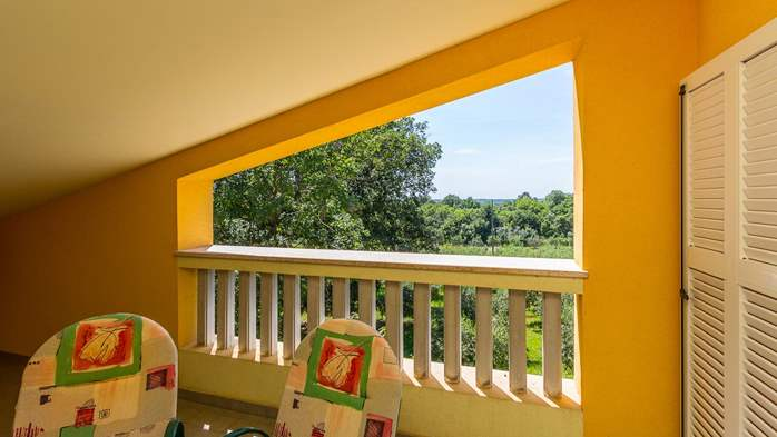 An intimate ambience for two persons with covered balcony, WiFi, 7