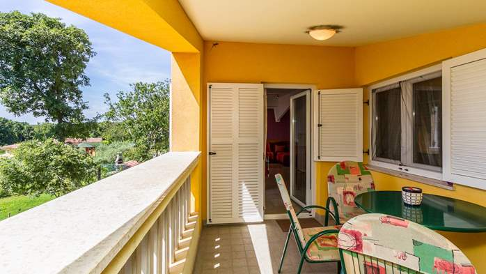 An intimate ambience for two persons with covered balcony, WiFi, 8