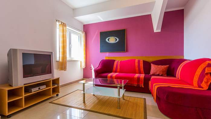 An intimate ambience for two persons with covered balcony, WiFi, 5