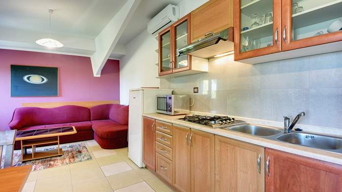 An intimate ambience for two persons with covered balcony, WiFi, 2