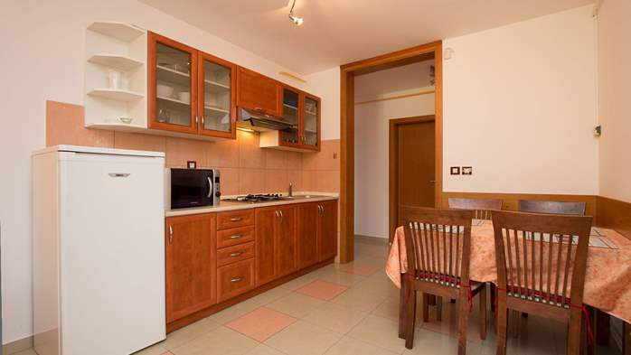 Apartment Orion with two colorful bedrooms and a private terrace, 8