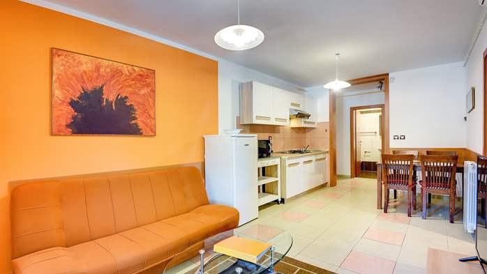 Apartment Orion with two colorful bedrooms and a private terrace, 1