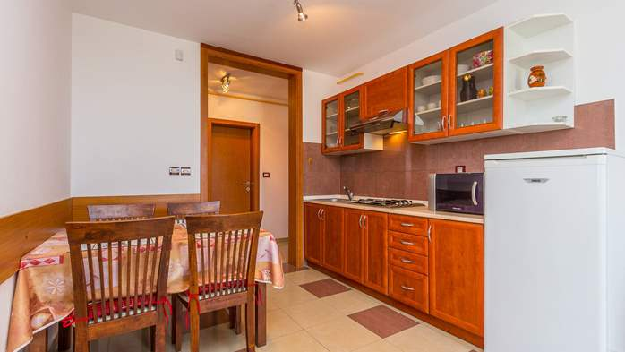 Two-bedroom apartment Hercules, private terrace on ground floor, 2