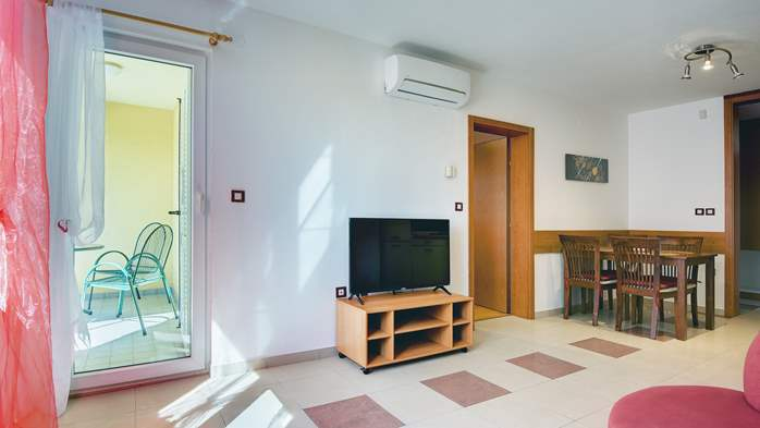 Two-bedroom apartment Hercules, private terrace on ground floor, 3