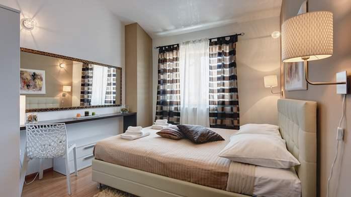 Classy villa with heated pool, 2 saunas, jacuzzi, Wi-Fi, BBQ, 30