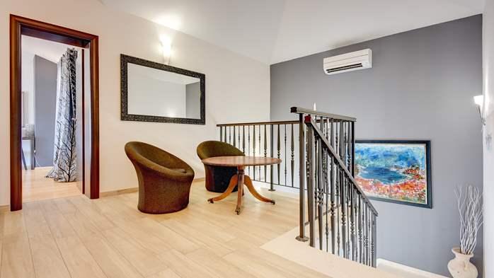 Classy villa with heated pool, 2 saunas, jacuzzi, Wi-Fi, BBQ, 33