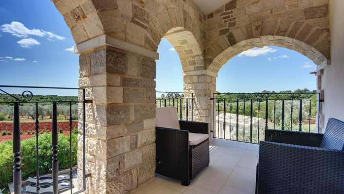 Classy villa with heated pool, 2 saunas, jacuzzi, Wi-Fi, BBQ, 41