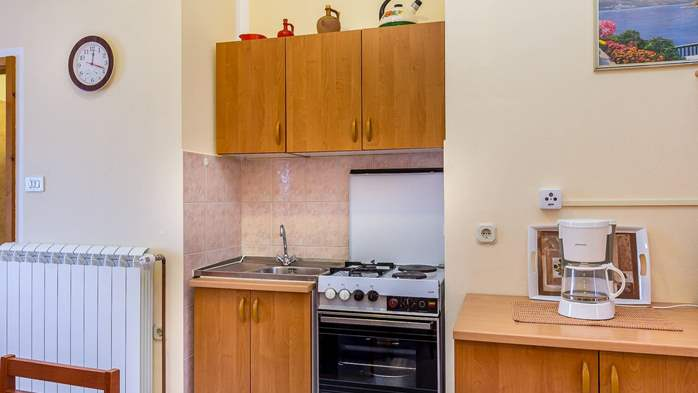 Large 4-bedroom apartment with 3 bathrooms for 6 persons, WiFi, 4