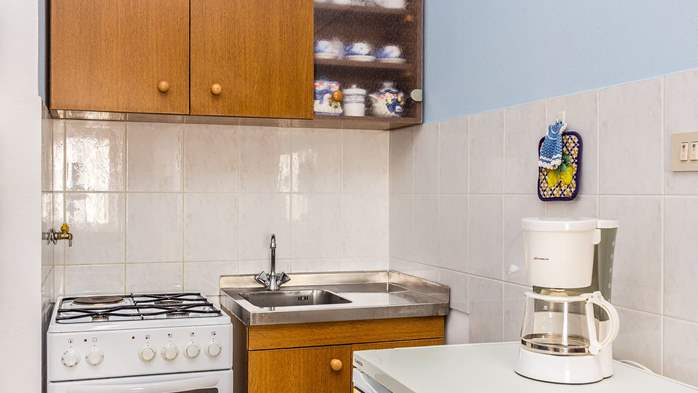 Large 4-bedroom apartment with 3 bathrooms for 6 persons, WiFi, 11