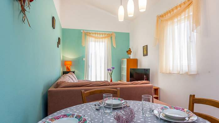 Cozy house in Medulin with fenced garden, barbecue, parking place, 8