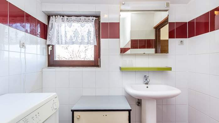 Small apartment on 2nd floor with private balcony for 3 persons, 5