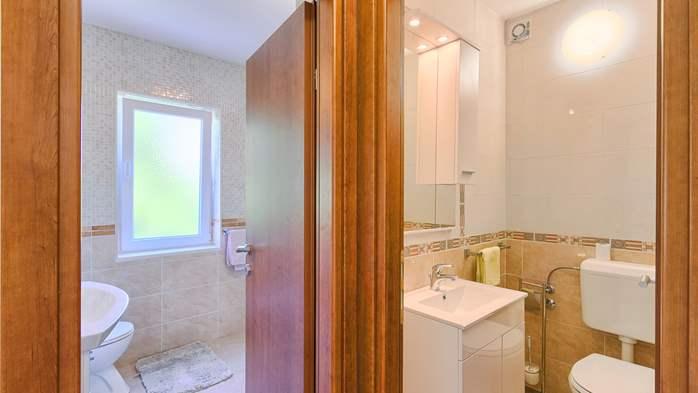 Charming holiday home in Premantura, 3 bedrooms, garden, Wi-Fi, 19