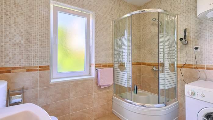 Charming holiday home in Premantura, 3 bedrooms, garden, Wi-Fi, 24