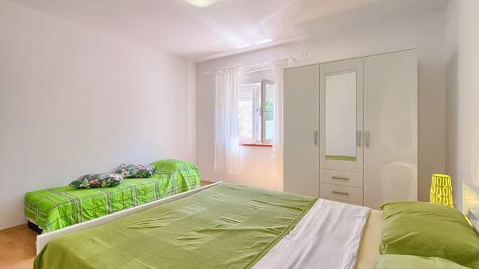 Charming holiday home in Premantura, 3 bedrooms, garden, Wi-Fi, 30