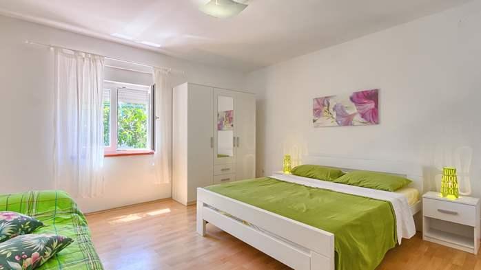 Charming holiday home in Premantura, 3 bedrooms, garden, Wi-Fi, 35