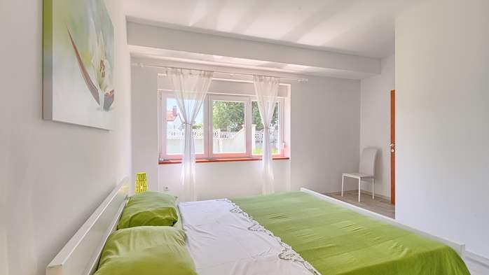 Charming holiday home in Premantura, 3 bedrooms, garden, Wi-Fi, 42