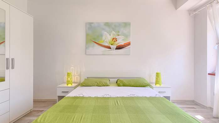 Charming holiday home in Premantura, 3 bedrooms, garden, Wi-Fi, 40