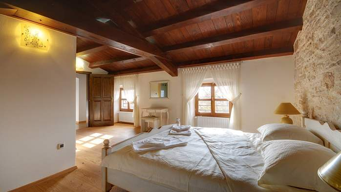 Classy villa with private pool, sauna, sun terrace, Wi-Fi, SAT-TV, 35