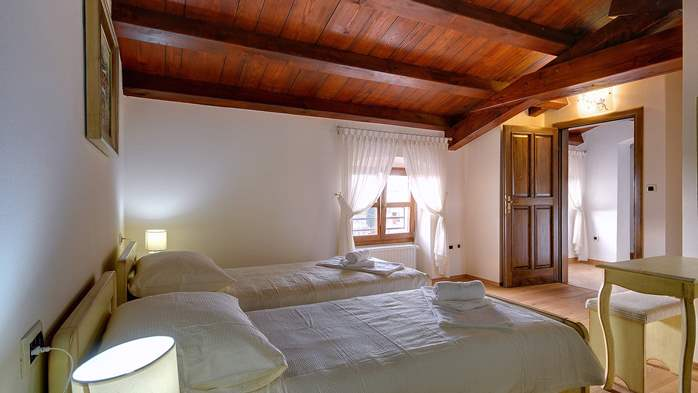 Classy villa with private pool, sauna, sun terrace, Wi-Fi, SAT-TV, 43