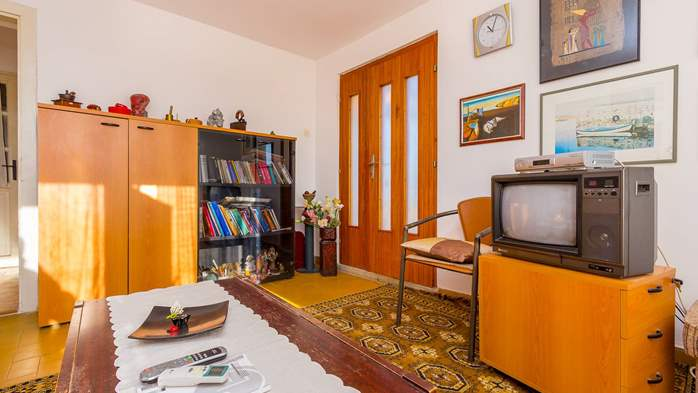 Nice retro apartment for 4 persons, with SAT-TV and air condition, 2